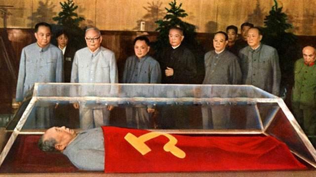 bei-jing-mao-zhu-xi-ji-nian-tang-hui-fu-kai-fang-can-guan-zhe-pai-chang-long-11